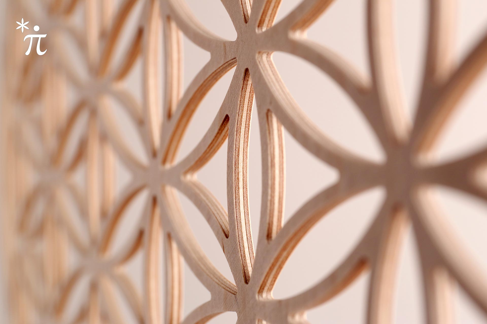 Detail Blume des Lebens aus Holz
